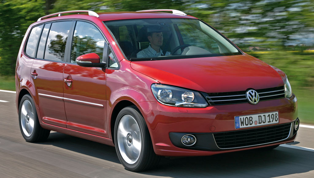 un monospace le volkswagen touran trendline 1 2 tsi 105 ch 16950 auto moins. Black Bedroom Furniture Sets. Home Design Ideas