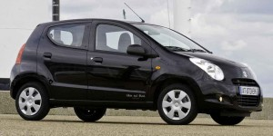 Suzuki-Alto-White-and-Black