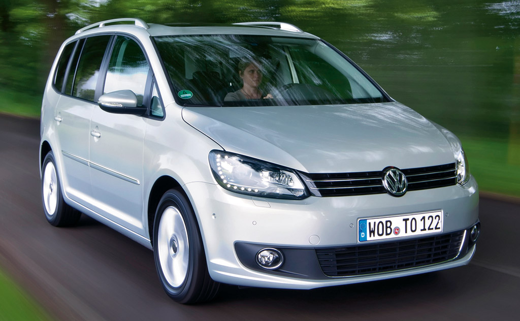 un vrai monospace le volkswagen touran partir de 15490 euros auto moins. Black Bedroom Furniture Sets. Home Design Ideas