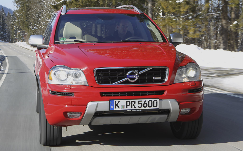 7000 euros de remise sur le volvo xc90 un bon gros 4x4. Black Bedroom Furniture Sets. Home Design Ideas