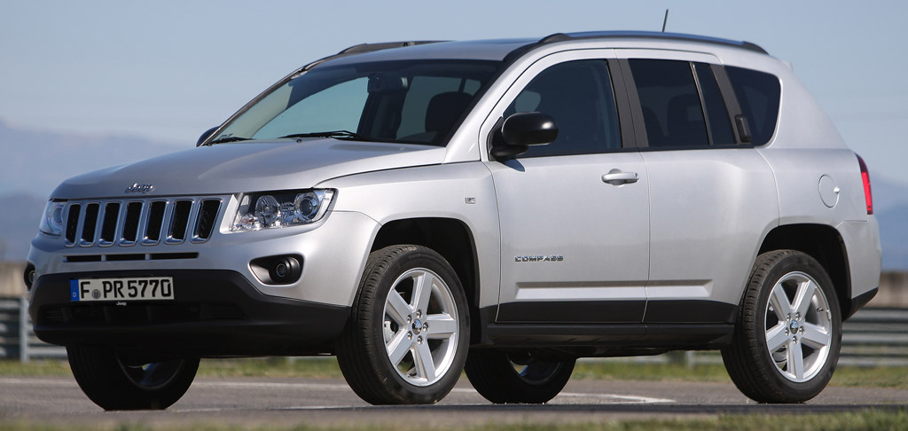 la jeep compass 2 2 crd partir de 22400 euros avec une reprise auto moins. Black Bedroom Furniture Sets. Home Design Ideas