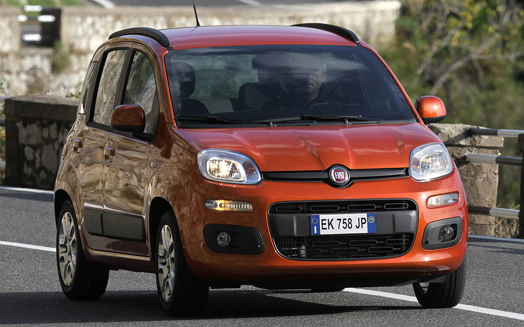 la fiat panda partir de 7990 euros avec une prime la casse auto moins. Black Bedroom Furniture Sets. Home Design Ideas